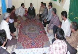 دیدار شهردار لار به اتفاق مسئولین واحدهای اجرایی از خانواده های شهیدان بنی زمانی و مسکینی