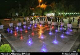 نخستین آب نمای خشک موزیکال استان فارس در بوستان ملت شهر لار  به بهره برداری رسید